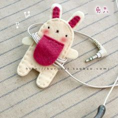 DIY Earphone Cord Holder