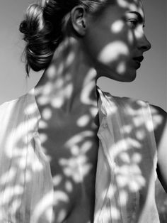 Black and White Portrait Photography: Expert Advice That Helps You Succeed – Black and White Photography Shadow Art, Shadow Play, Shadow Photography, Portrait Photography, Fashion Photography, Photography Women, Beauty Photography, Black And White Portraits, Black And White Photography