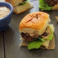 Bison Sliders with Maple Balsamic Aioli, Browned Mushrooms, and King's Hawaiian Sweet Rolls ® Beef Recipes, Snack Recipes, Snacks, Great Recipes, Favorite Recipes, Recipe Ideas, Maple Balsamic, Hawaiian Sweet Rolls