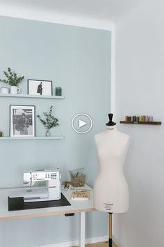 DIY Homeoffice & Nähecke umgestalten – You and I DIY The perfect home office and sewing room – You &. Sewing Room Design, Sewing Room Decor, Sewing Spaces, Sewing Room Organization, Sewing Studio, Bedroom Decor, Sewing Rooms, Coin Couture, Home Office