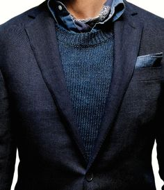 educoelho: GQ Sports jacket Ralph Lauren Black Label Sweater A. Shirt and pocket square Michael Bastian Bandana Hav-A-Hank x Fashion Mode, Suit Fashion, Mens Fashion, Fashion Outfits, Fashion News, Street Fashion, Rugged Style, Sharp Dressed Man, Well Dressed Men