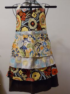 TreadlingHome Original Full Apron by TreadlingHome on Etsy  Mother's Day discount this weekend.  20% your total purchase of $20 or more with coupon code MOMS1.  Valid through Monday, 5/2/16.