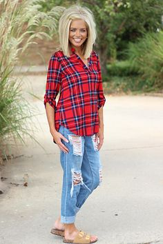 Bandana Hairstyles Plaid to the Bone Roll Tab Sleeve Top ~ Red - One Faith Boutique Trendy Clothes For Women, Trendy Outfits, Trendy Clothing, Natural Dark Red Hair, Medium Hair Styles, Short Hair Styles, One Faith Boutique, Salt And Pepper Hair, Teased Hair