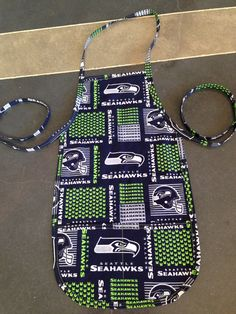 Kids Seahawk Apron Apron Designs, Christmas 2015, Seahawks, Aprons, Sewing Crafts, Quilts, Fun, Kids, Young Children