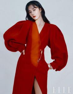 Kwon Yuri, Girl's Generation, Popular Girl, 1 Girl, Beautiful Asian Women, Snsd, Asian Woman, Bell Sleeve Top, Girls Dresses