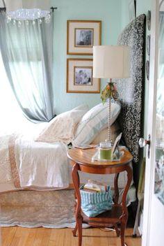 Laura's Wonderful Belongings Bedroom, AT
