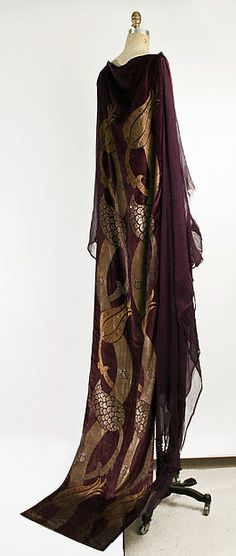 Robe (image 2) | Mariano Fortuny | Italian | early 20th century | silk, glass | Metropolitan Museum of Art | Accession Number: 1975.383.3