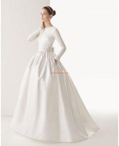 Robe de mariée princesse satin avec manches longues