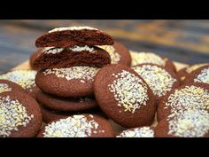 На вкус как пористый шоколад! 😍 Тает во рту! Быстрое печенье к чаю | Кулинарим с Таней - YouTube Biscotti, Muffin, Sweets, Cookies, Chocolate, Breakfast, Food, Youtube, Russian Cuisine