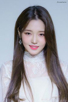 #jisun #fromis9 #kpop South Korean Girls, Korean Girl Groups, Red Velvet Irene, Korean Star, Chinese Actress, Girl Bands, Korean Actresses, Korean Singer, Pretty People