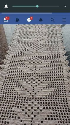 This Pin was discovered by ham Crochet Table Topper, Crochet Table Runner Pattern, Crochet Lace Edging, Crochet Tablecloth, Filet Crochet, Crochet Baby, Christmas Crochet Patterns, Crochet Doily Patterns, Crochet Doilies