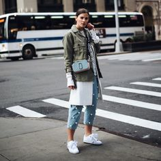 Outfit: Pearl Jeans, Lace Blouse & Puma Basket Heart Sneaker Look Fashion, Fashion Outfits, Womens Fashion, Teen Fashion, New York Fashion, Marc Jacobs Snapshot Bag, Puma Basket Heart, Looks Street Style, Next Clothes