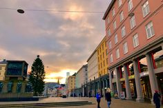 Bergen Box Gallery is the premier art gallery dedicated to capturing the essence of Norway's beloved city. View our fine art gallery online. Norway Winter, Visit Norway, Travel Design, Fine Art Gallery, Bergen, Art Studios, Photos, Pictures, Street View