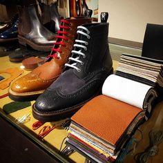Ready to wear DIS! Da oggi disponibili presso Il Castagno Brand Village anche calzature in pronta consegna. #weardis #readytowear #shoes #madeinitaly #madetomeasure #madetoorder #fw16-17 #fashionaddict #fashionoutlet #ilcastagno #block66 # #ootd #ankleboot #colombo #anfibio #pebblegrain #leather #soft http://ift.tt/2eJjnwh