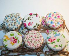 Love the idea of covering the favour jars in fabric. Also links to DIY mini-jar kit wedding favours.