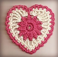 Big Valentine's Day Crochet Hearts Round-up! 20 x Medium Hearts Easy Crochet Stitches, Crochet Squares, Granny Squares, Crochet Flower Patterns, Crochet Flowers, Crochet Hearts, Manta Crochet, Knit Crochet, Knitted Heart