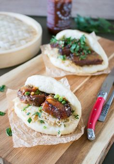 Pork_Cheek_Sandwich_1 How To Make Sandwich, Best Sandwich, Pork Recipes, Asian Recipes, Ethnic Recipes, Sauerkraut, Bao Burger, Sweet & Easy, Pork Cheeks