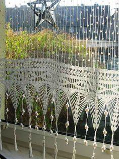 Curtains - Hanna Rek - Веб-альбомы Picasa Crochet Curtain Pattern, Crochet Curtains, Curtain Patterns, Crochet Home Decor, Crochet Art, Filet Crochet, Frame Shelf, Mug Cozy, Crochet Kitchen