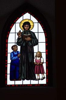 680px-Saint_Joan_of_Arc_Catholic_Church_(Powell,_Ohio),_interior,_stained_glass,_St._Elizabeth_Ann_Seton