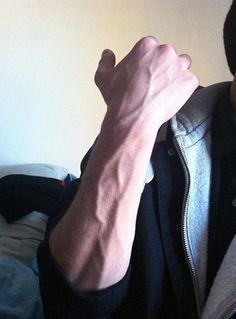 Aesthetic Body, Bad Boy Aesthetic, Cute White Boys, Cute Boys, Veiny Arms, Arm Veins, Hot Hands, Abs Boys, Images Esthétiques