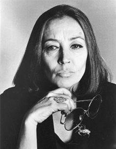 """Uno scatto di Francesco Scavullo (1) - Foto - Oriana Fallaci """"L'estrema punizione per chi cerca mondi migliori è il niente""""."""