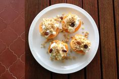 Apricots with Greek yogurt, granola and honey