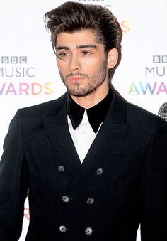 Zayn looking sexy at the BBC Music Awards ❤️ (12-11-14)