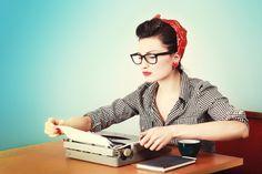 Nutzt Ihr auch noch eine Schreibmaschine? // Do you still use a typewriter like her? http://arealibro.com/blog/2013/01/08/quando-scrivere-diventa-una-necessita/