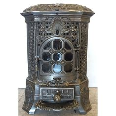 French Stove, Stoves For Sale, Old Stove, Vintage Stoves, Stove Fireplace, Shabby Chic Furniture, Wood Burning, French Antiques, Home Furnishings