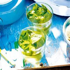 Traditional North African mint tea should be served very sweet. This recipe uses fresh mint and serves 4 and is ready in 10 minutes. Gourmet Recipes, Healthy Recipes, Drink Recipes, Algerian Recipes, Paste Recipe, Mint Tea, Strawberry Smoothie, Exotic Fruit, Healthy Fruits