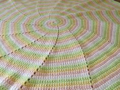 Four Color Spiral Blanket FREE Crochet Pattern