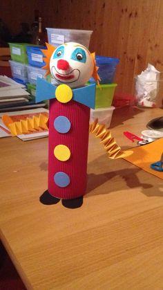 De blog en blog : nos idées futées pour une rentrée avec le sourire Kids Crafts, Preschool Crafts, Diy And Crafts, Arts And Crafts, Paper Crafts, Toilet Roll Craft, Clown Party, Circus Theme, Creative Activities