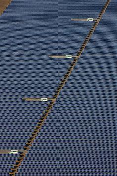 ♂ Solarfeld bei Straßkirchen-Gänsdorf mit einer installierten Leistung von 54 Megawatt
