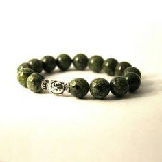 ◄ Браслет из змеевика с головой Будды на защиту и энергию   Купить браслет-защитник из натурального камня змеевик