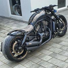 Harley Bikes, Harley V Rod, Vrod Muscle, Harley Davidson V Rod, Cool Motorcycles, Custom Bikes, Toys For Boys, Big Boys, Cool Cars