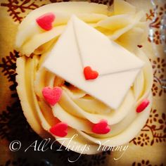 #sealedwithakiss #valentine #vday #valentines #envelope #hearts #chocolatefudge #cupcakes #romance #love