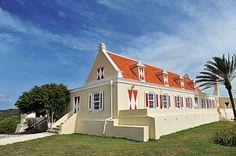 Niet alleen qua cultuur maar ook qua architectuur valt er veel op Curacao te ontdekken en beleven