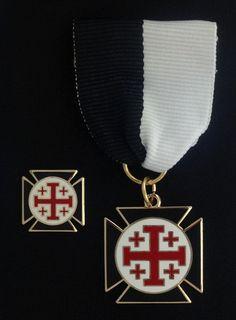 Knight Crusader of The Cross Lapel Pin & Jewel - Click Image to Close