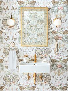 45 Ideas Kitchen Colors Beige Bathroom For 2019 Beige Bathroom, Bathroom Sets, French Bathroom, Wall Paper Bathroom, Feminine Bathroom, Rental Bathroom, Bathroom Accents, Mosaic Bathroom, Powder Room Wallpaper