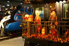 Fantômes ferroviaires (2014) / Railway Ghosts (2014) #exporail #musée #museum #trains #familyactivities #Halloween Railway Museum, Canada, Family Activities, Ghosts, Trains, Halloween, Painting, Art, Painting Art
