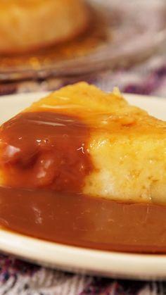Prueba este postre típico Argentino, mezcla de budín de pan y flan con manzana. Sweet Recipes, Cake Recipes, Dessert Recipes, Cookie Desserts, Easy Desserts, Tasty, Yummy Food, Creative Food, Cakes And More