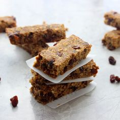 Cinnamon Raisin Protein Bars (Low- Fat)  Ingredients 1 ½ cups rolled oats 1 cup oat bran ½ cup sugar (I used coconut) ½ tbsp. cinnamon 1 scoop protein powder (I used raw protein) ½ cup apple sauce ½ cup egg whites 1 cup raisins