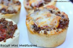 Enjoy these quick and tasty Mini Biscuit Meatloaves made in muffin tins from www.10minutedinners.com