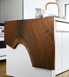 Gorgeous countertop. It extends across the island and then this is the side piece.