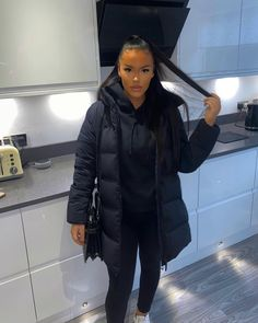Miami Outfits, Swag Outfits, Cute Outfits, Fashion Outfits, Winter Fits, Chilly Weather, Sporty Chic, Outfit Combinations