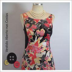Vestido Aberto nas Costas (Flor Vermelha) - Café Costura de R$252 por R$200