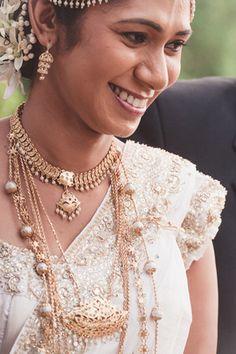 A traditional Sri Lankan wedding in Colombo: Anu & Chaminda
