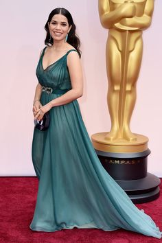 *-*87th Annual Academy Awards - Arrivals - 87th Annual Academy Awards - Arrivals  America Ferrera in an ombré Jenny Packham gown and Irene Neuwirth jewelry on the red carpet for the 87th Oscars on February 22, 2015 in Hollywood, California. AFP PHOTO / VALERIE MACON (Photo credit should read VALERIE MACON/AFP/Getty Images)