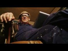 Jan Stam plays Man Bijt Hond zoekertje. #Manbijthond #Manbijthondzoekertje #Paladinstudios