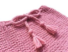 Ravelry: Cubrepañal Boho Baby pattern by Marta Porcel Baby Knitting Patterns, Baby Patterns, Crochet Baby, Knit Crochet, Baby Bloomers, Bugaboo, Boho Baby, Cloth Diapers, Tapas